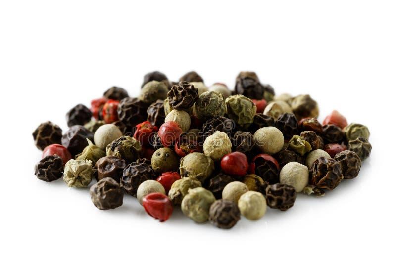 Ένας σωρός μικτά peppercorns στοκ φωτογραφίες με δικαίωμα ελεύθερης χρήσης