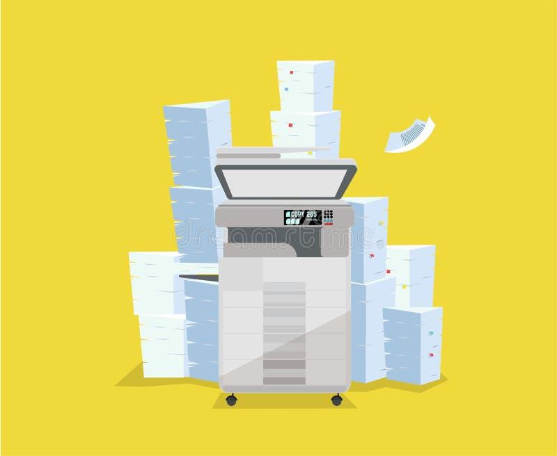 Ένας σωρός του εγγράφου και των εγγράφων στέκεται επάνω από τον πολλών χρήσεων ανιχνευτή εκτυπωτών Ο αντιγραφέας είναι ανοικτός γ απεικόνιση αποθεμάτων