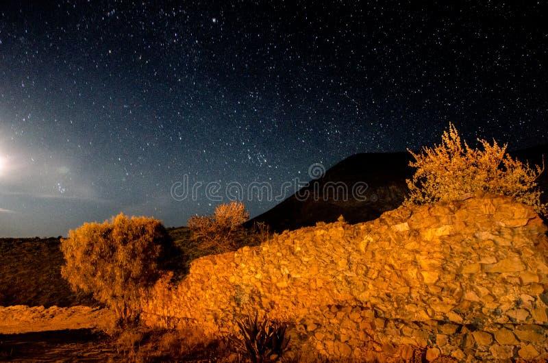 Έναστρη νύχτα στη πόλη-φάντασμα 2 στοκ εικόνες