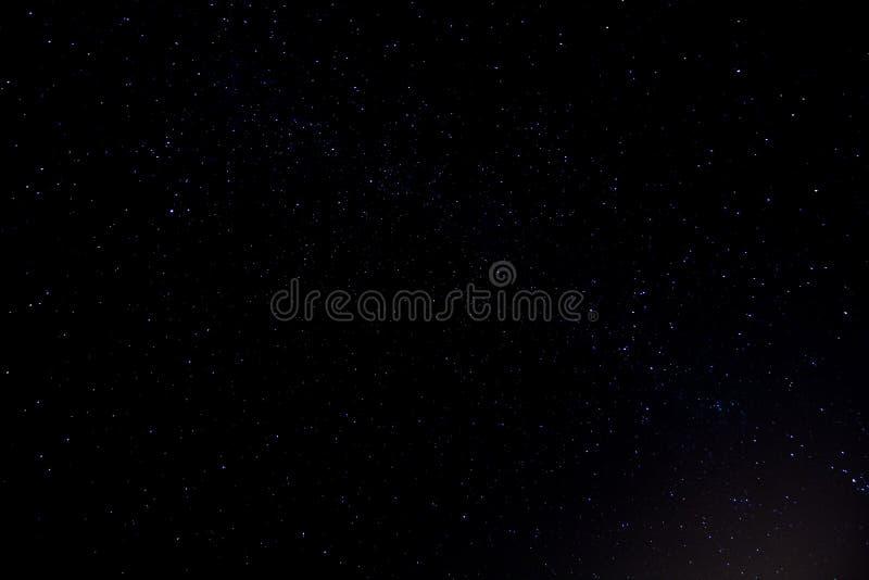 Έναστρος νυχτερινός ουρανός στοκ φωτογραφία