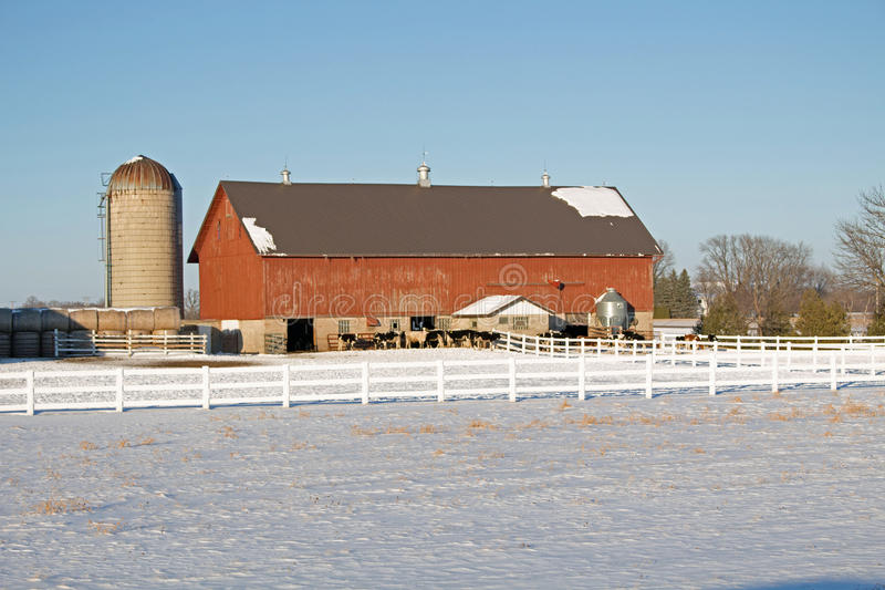 Ένα αγροτικό χειμερινό τοπίο αγροτικών περιοχών στοκ φωτογραφίες