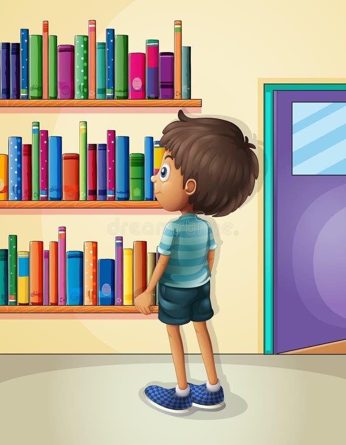 Ένα αγόρι μέσα στη βιβλιοθήκη ελεύθερη απεικόνιση δικαιώματος