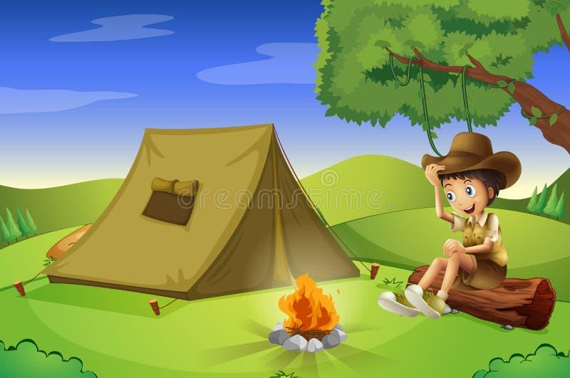 Ένα αγόρι με μια σκηνή και μια πυρκαγιά στρατόπεδων ελεύθερη απεικόνιση δικαιώματος