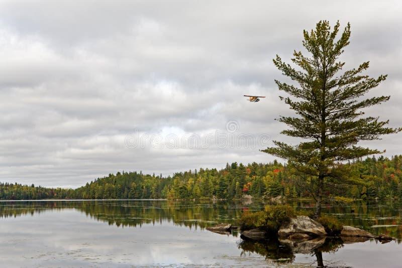 Ένα αεροπλάνο επιπλεόντων σωμάτων Algonquin, Καναδάς στοκ φωτογραφία