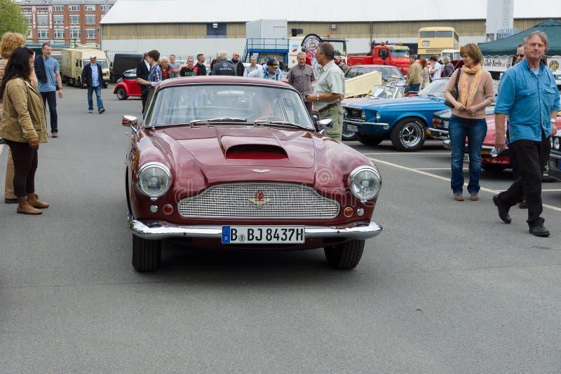 Ένα αθλητικό αυτοκίνητο Άστον Martin DB4 (Superleggera) στοκ φωτογραφίες