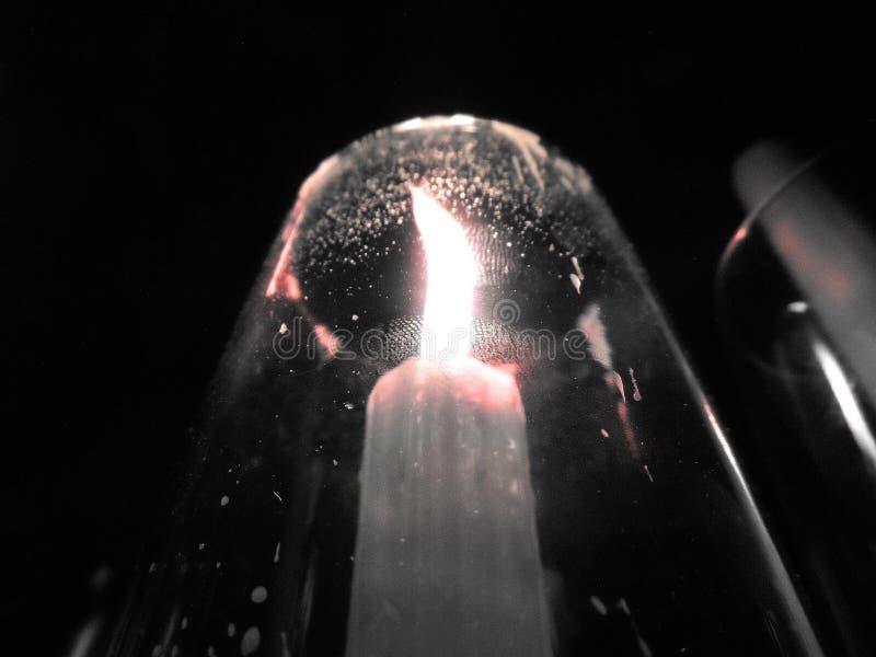 Ένα δακτυλικό αποτύπωμα στον κάτοχο κεριών στοκ φωτογραφία