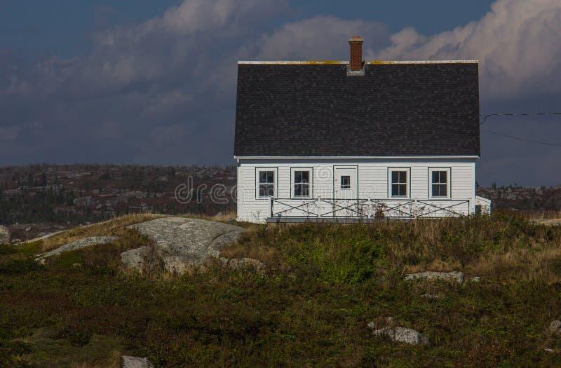 Ένα απομονωμένο σπίτι στον όρμο της Peggy στοκ εικόνες με δικαίωμα ελεύθερης χρήσης
