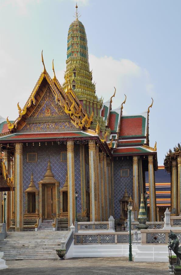 Ένα βασιλικό παλάτι και ένα πύργος-κονίαμα στοκ εικόνες με δικαίωμα ελεύθερης χρήσης
