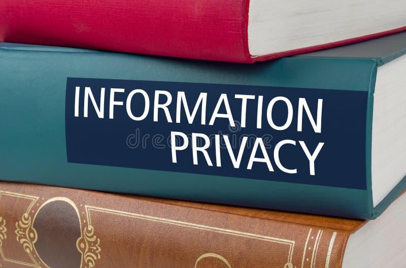 Ένα βιβλίο με την ιδιωτικότητα πληροφοριών τίτλου στοκ εικόνες