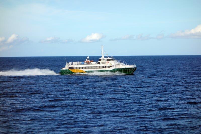 Ένα γρήγορο πορθμείο νησιών στις Καραϊβικές Θάλασσες στοκ φωτογραφίες με δικαίωμα ελεύθερης χρήσης