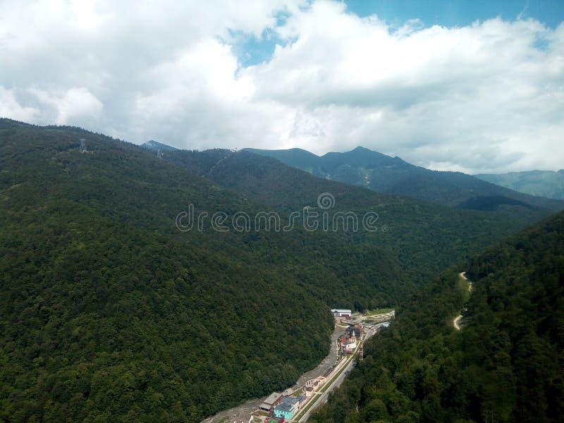Ένα ευχάριστο τοπίο των βουνών βόρειου Καύκασου στοκ φωτογραφία με δικαίωμα ελεύθερης χρήσης