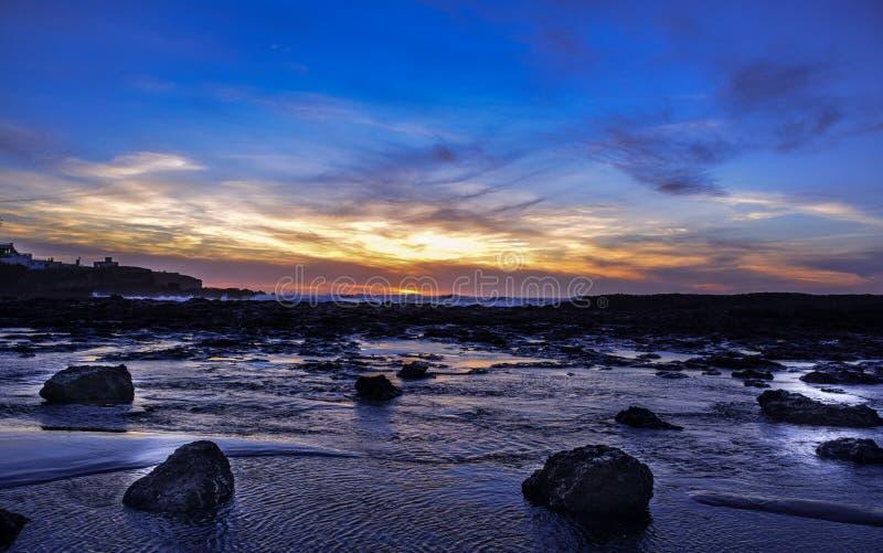 Ένα ζαλίζοντας ηλιοβασίλεμα στοκ εικόνα