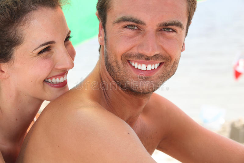 Ένα ζεύγος στην παραλία στοκ φωτογραφία