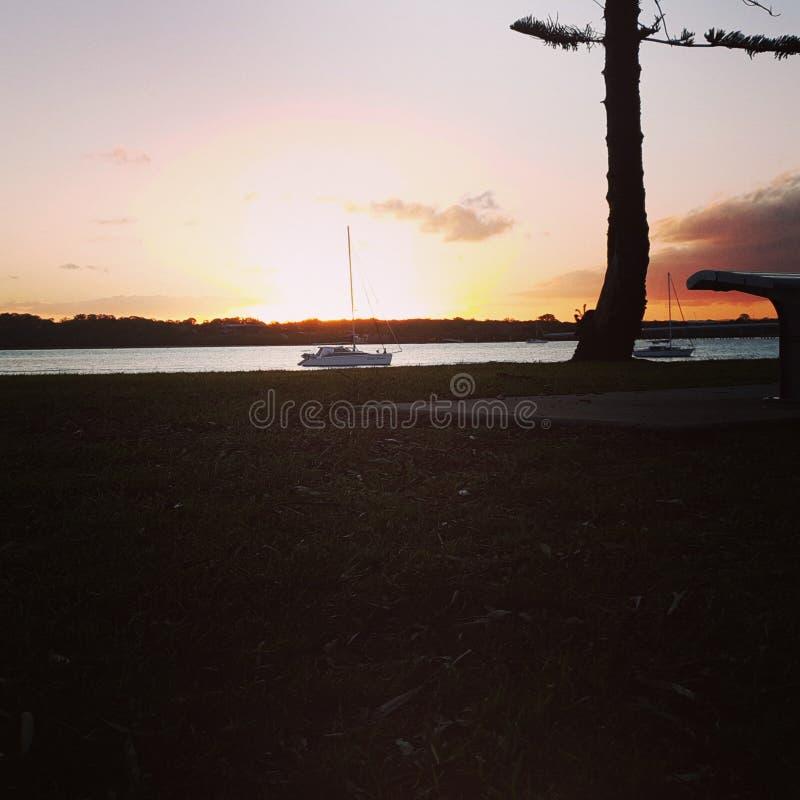 Ένα ηλιοβασίλεμα Queensland Αυστραλία νησιών Bribie στοκ φωτογραφία με δικαίωμα ελεύθερης χρήσης