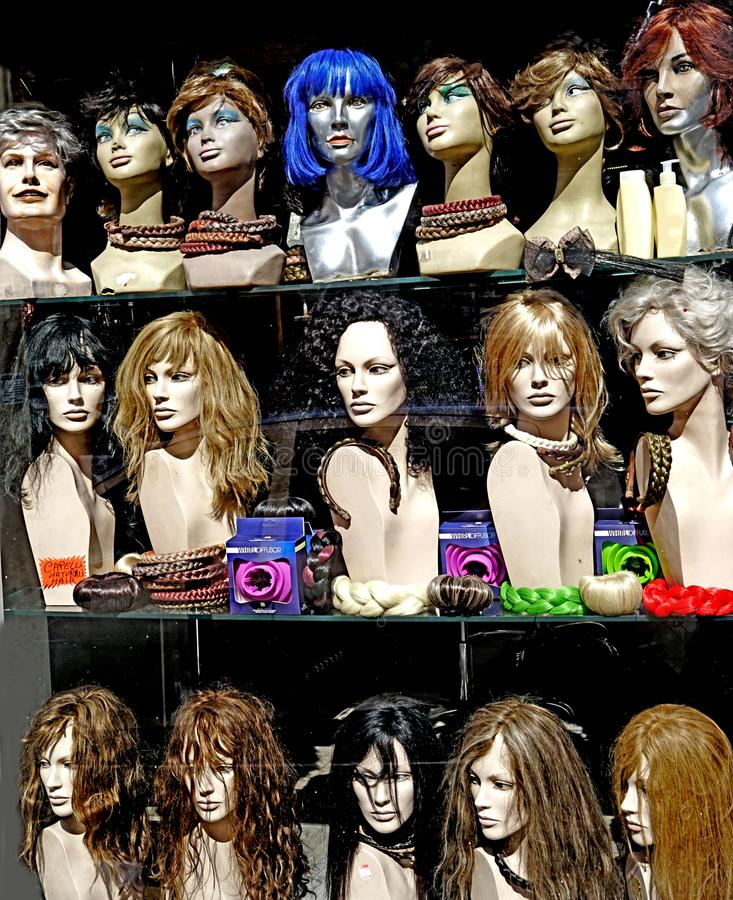 Ένα κατάστημα περουκών στοκ φωτογραφία με δικαίωμα ελεύθερης χρήσης
