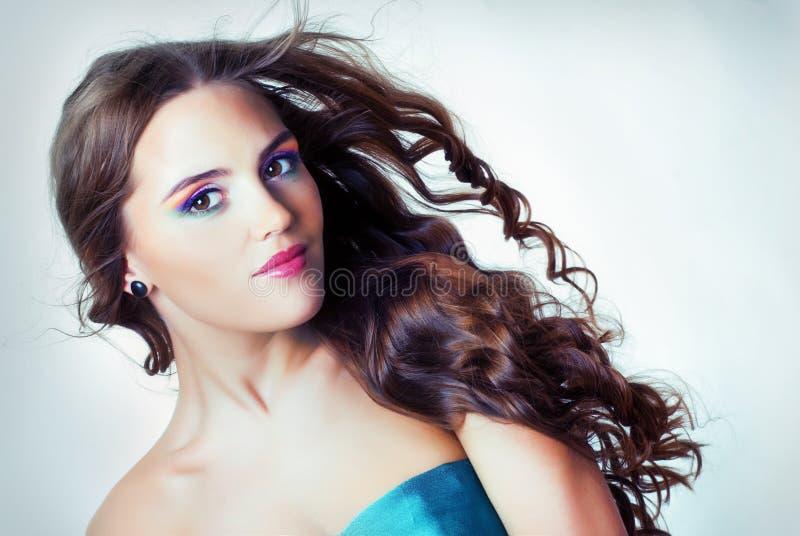 Ένα κορίτσι με το φωτεινό makeup στοκ εικόνες