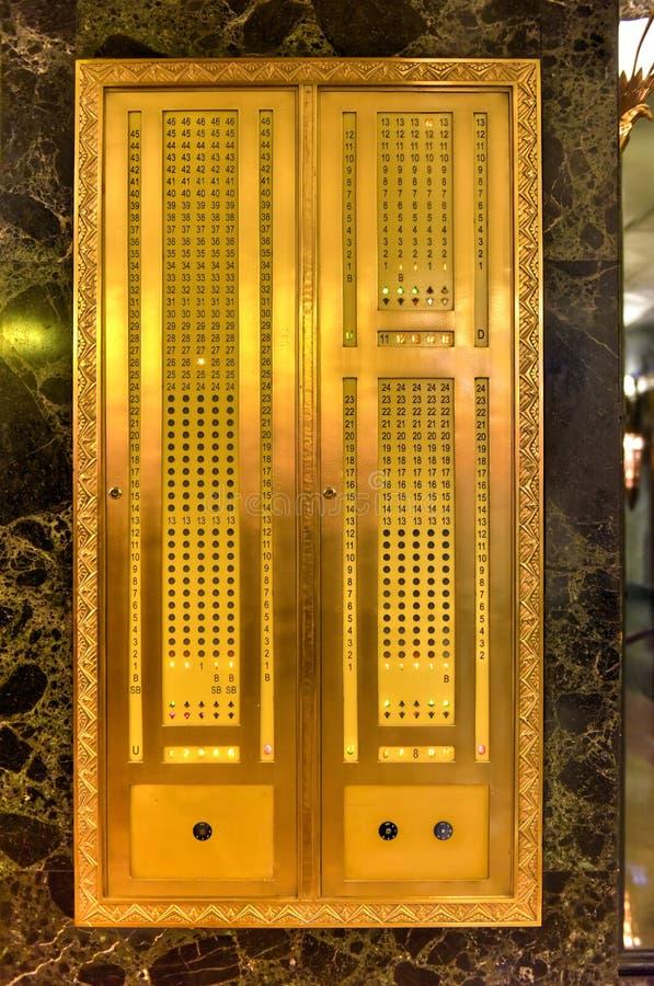 Download Ένα κτήριο βόρειου LaSalle - Σικάγο Στοκ Εικόνες - εικόνα από επιτροπή, deco: 62714724