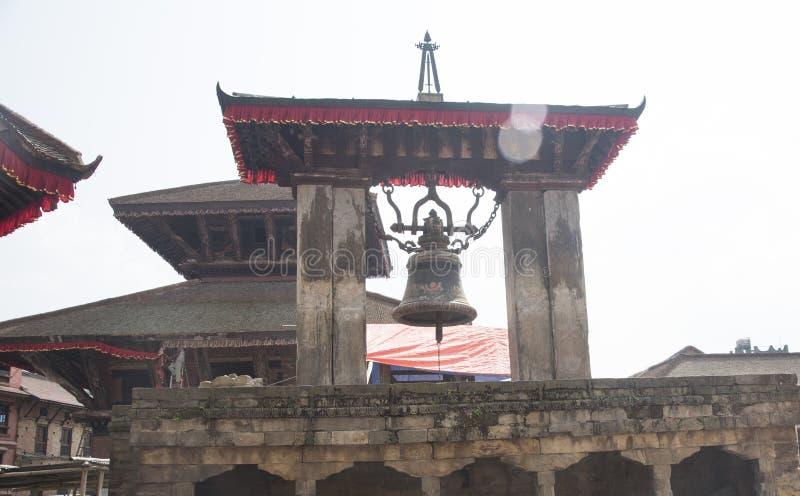 Ένα μεγάλο κουδούνι στο ναό του Νεπάλ στοκ φωτογραφία με δικαίωμα ελεύθερης χρήσης