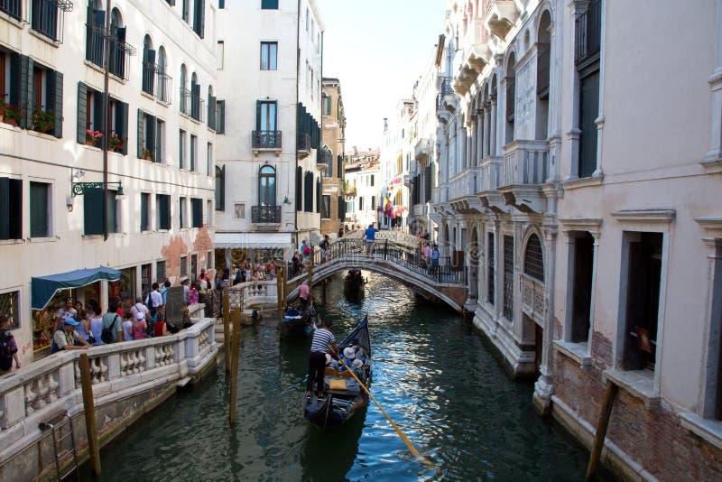 Ένα μικρό κανάλι στη Βενετία στοκ φωτογραφίες