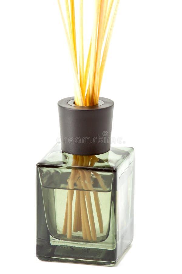 Ένα μπουκάλι των αρωματικών ραβδιών στοκ φωτογραφία με δικαίωμα ελεύθερης χρήσης