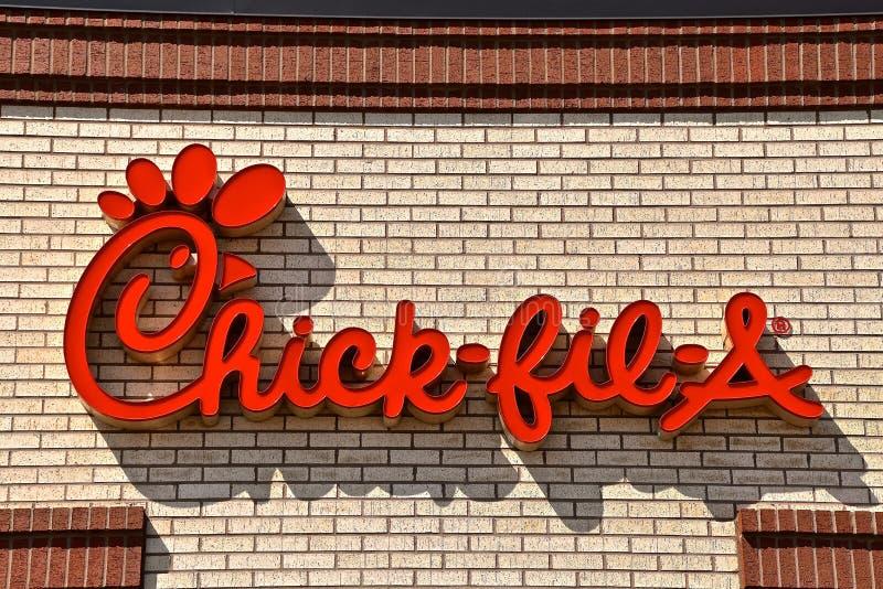 Ένα νεοσσός-fil-λογότυπο και ένα εστιατόριο στοκ φωτογραφία με δικαίωμα ελεύθερης χρήσης