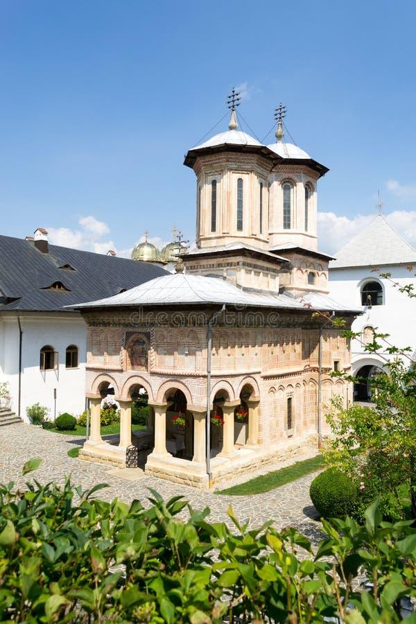 Ένα ξύλινο μοναστήρι, Ρουμανία στοκ φωτογραφία με δικαίωμα ελεύθερης χρήσης