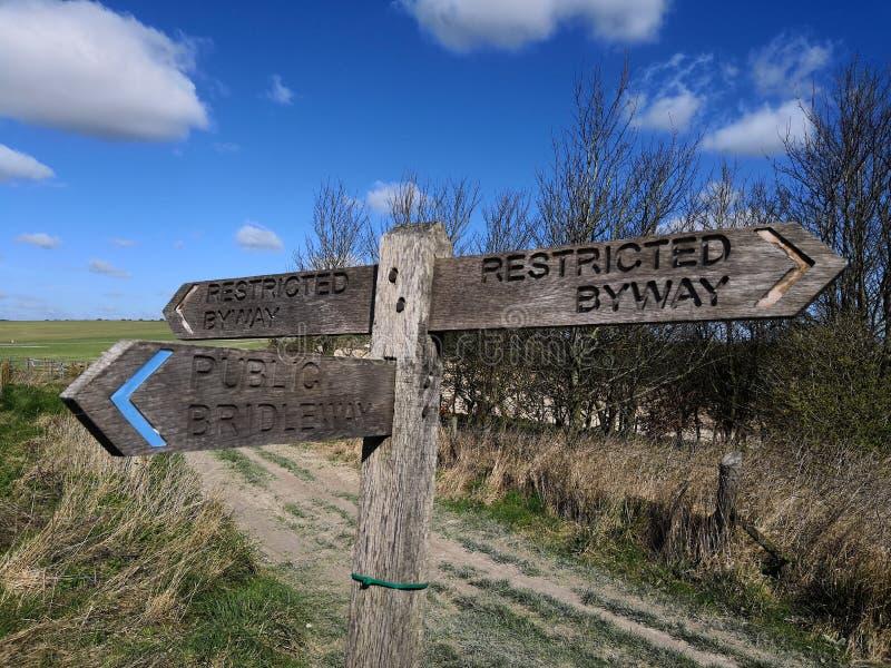 Ένα παραδοσιακό βρετανικό bridleway σημάδι στο Σάσσεξ στοκ φωτογραφίες με δικαίωμα ελεύθερης χρήσης