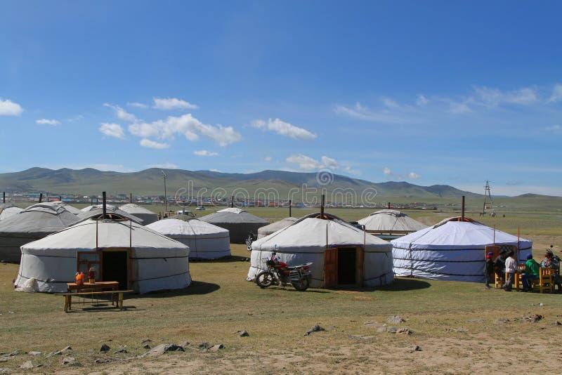 Ένα προσωρινό χωριό των yurts στοκ εικόνα