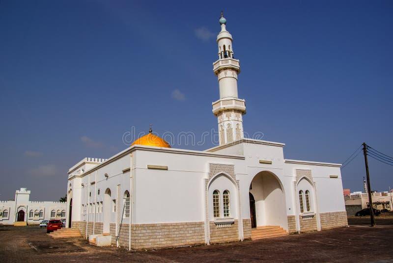 Ένα πρόσφατα κατασκευασμένο μουσουλμανικό τέμενος στο Ομάν στοκ εικόνες