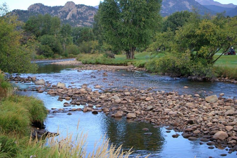 Ένα ρεύμα βουνών στοκ φωτογραφίες με δικαίωμα ελεύθερης χρήσης