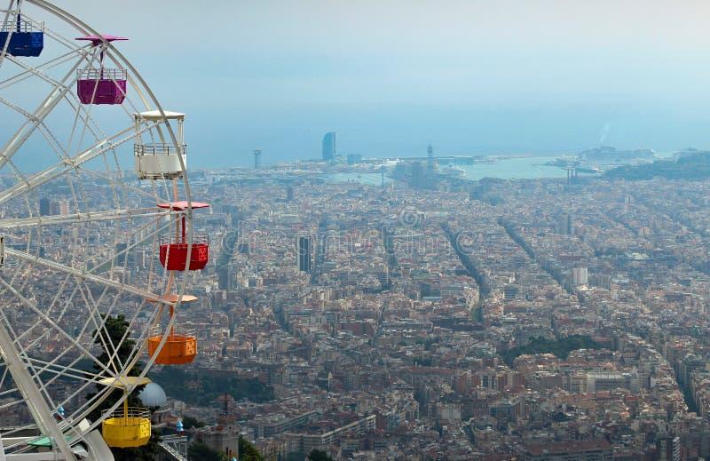 Ένα ρόλερ κόστερ στην κορυφή της Βαρκελώνης, Ισπανία στοκ εικόνες με δικαίωμα ελεύθερης χρήσης