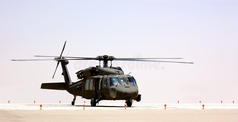 Ένα στρατιωτικό ελικόπτερο στοκ εικόνες