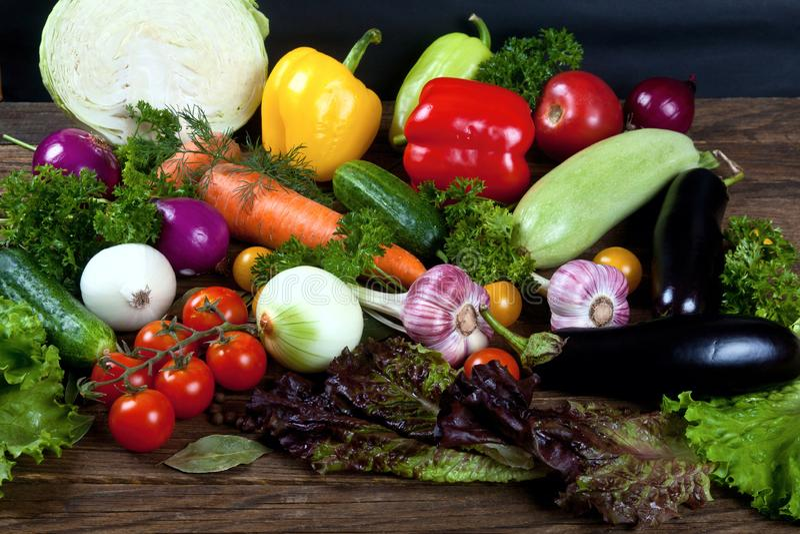 Ένα σύνολο φρέσκων λαχανικών στοκ φωτογραφία