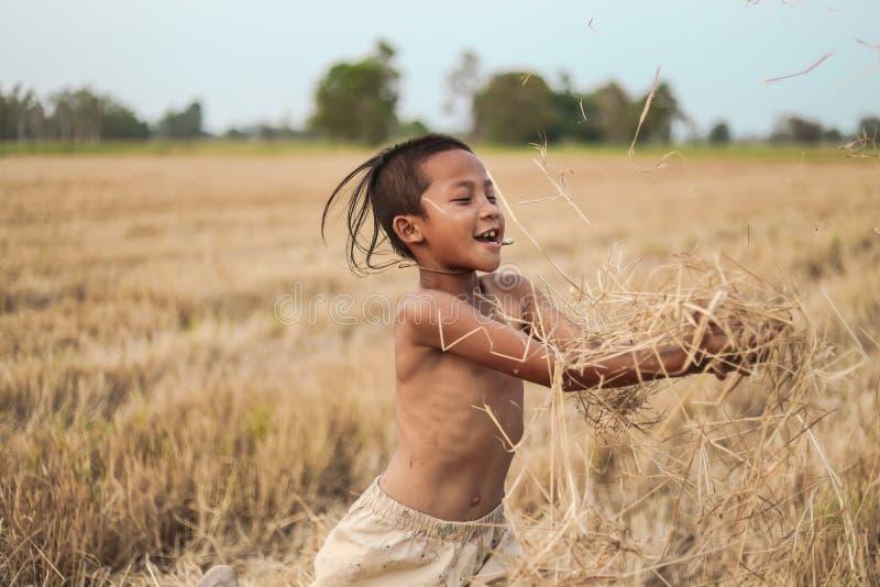 Ένα ταϊλανδικό αρχαίο hairstyle αγοριών στοκ φωτογραφίες