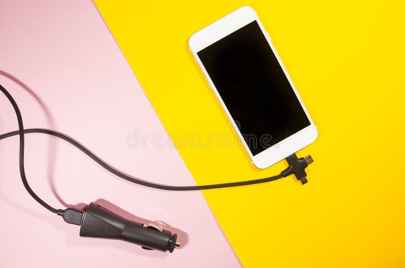 Ένα τηλέφωνο χρέωσης με το καλώδιο στοκ φωτογραφίες