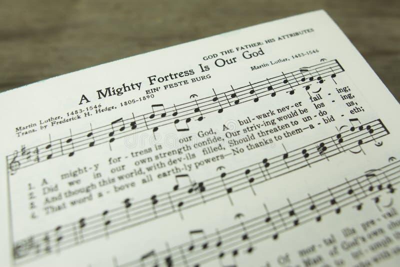 Ένα δυνατό φρούριο είναι ο χριστιανικός ύμνος του Martin Luther Θεών μας στοκ εικόνες με δικαίωμα ελεύθερης χρήσης
