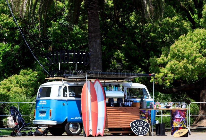 Ένα φορτηγό καφέ κυματωγών στοκ φωτογραφίες