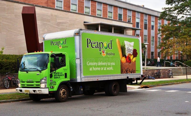 Ένα φορτηγό παράδοσης παντοπωλείων Peapod στοκ εικόνα με δικαίωμα ελεύθερης χρήσης
