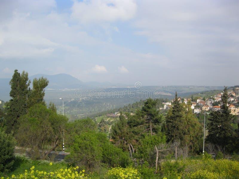 Ένα χωριό σε ένα ορεινό τοπίο στοκ φωτογραφίες με δικαίωμα ελεύθερης χρήσης