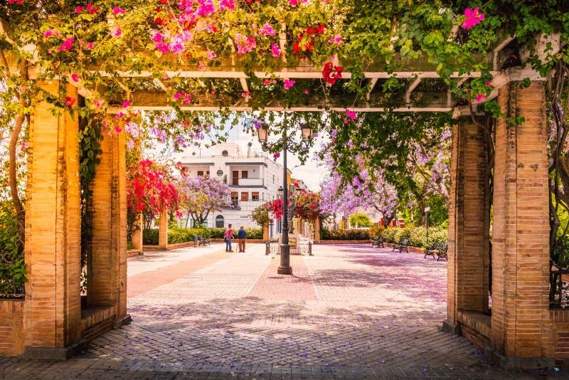 Ένα όμορφο τετράγωνο Ayamonte, Ανδαλουσία, Ισπανία στοκ εικόνα