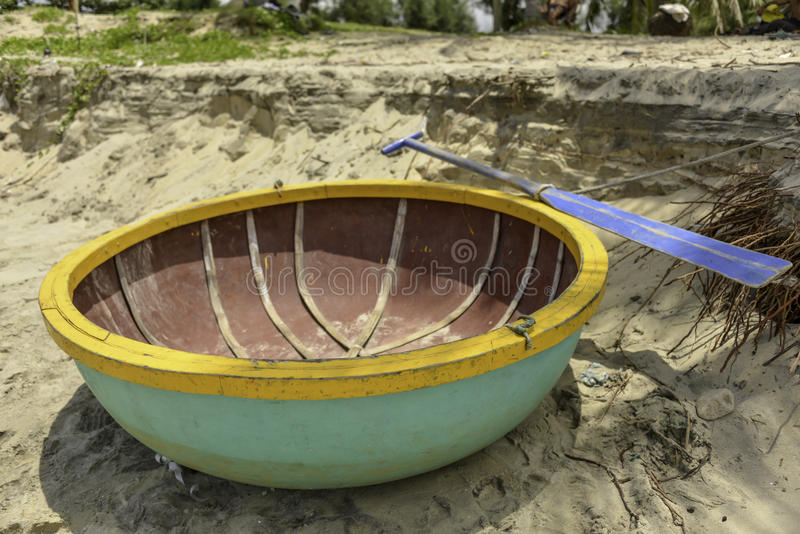 Ένα coracle στην παραλία σε Hoi, Βιετνάμ στοκ φωτογραφία με δικαίωμα ελεύθερης χρήσης