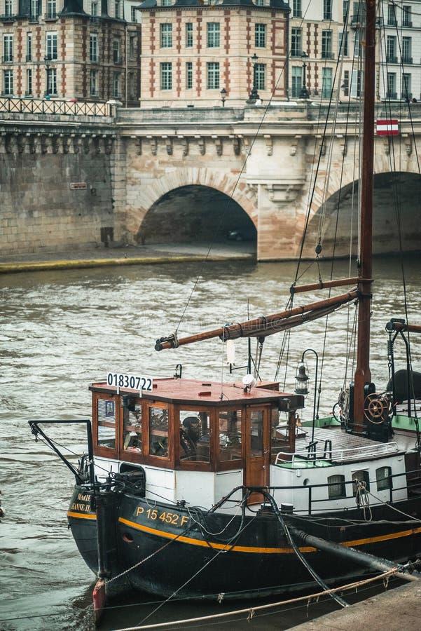 Ένα schooner κατά μήκος του Siene στοκ εικόνες