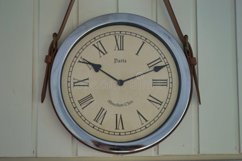 'Ένδειξη ώρασ' στον τοίχο στοκ φωτογραφία με δικαίωμα ελεύθερης χρήσης