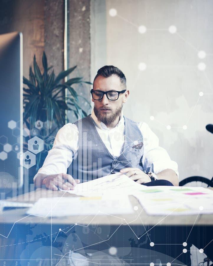 Έννοιας σφαιρική διεπαφή γραφικών παραστάσεων διαγραμμάτων εικονιδίων σύνδεσης εικονική που εμπορεύεται Reserch Γενειοφόρος επιχε στοκ φωτογραφία με δικαίωμα ελεύθερης χρήσης
