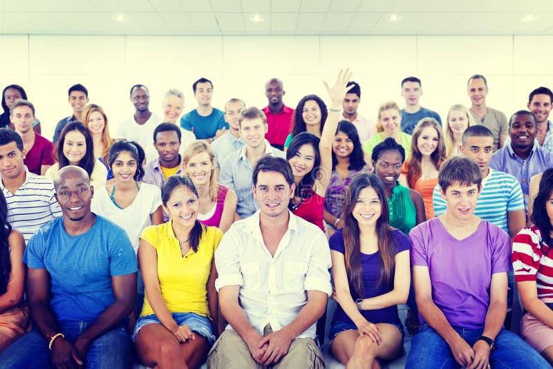 Έννοια εκπαίδευσης κατάρτισης σεμιναρίου ομάδας εφήβων ποικιλομορφίας στοκ εικόνα με δικαίωμα ελεύθερης χρήσης