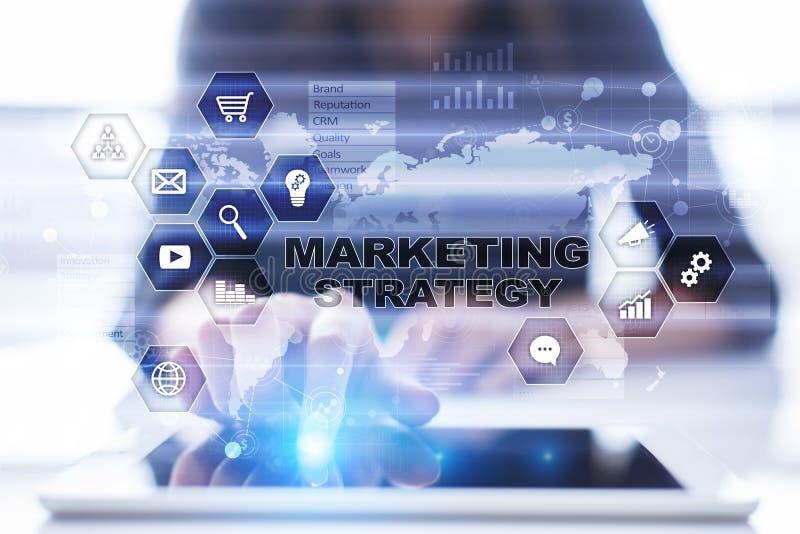 Έννοια εμπορικής στρατηγικής στην εικονική οθόνη Διαδίκτυο, διαφήμιση και ψηφιακή έννοια τεχνολογίας τρισδιάστατες αγορές πωλήσεω στοκ εικόνα