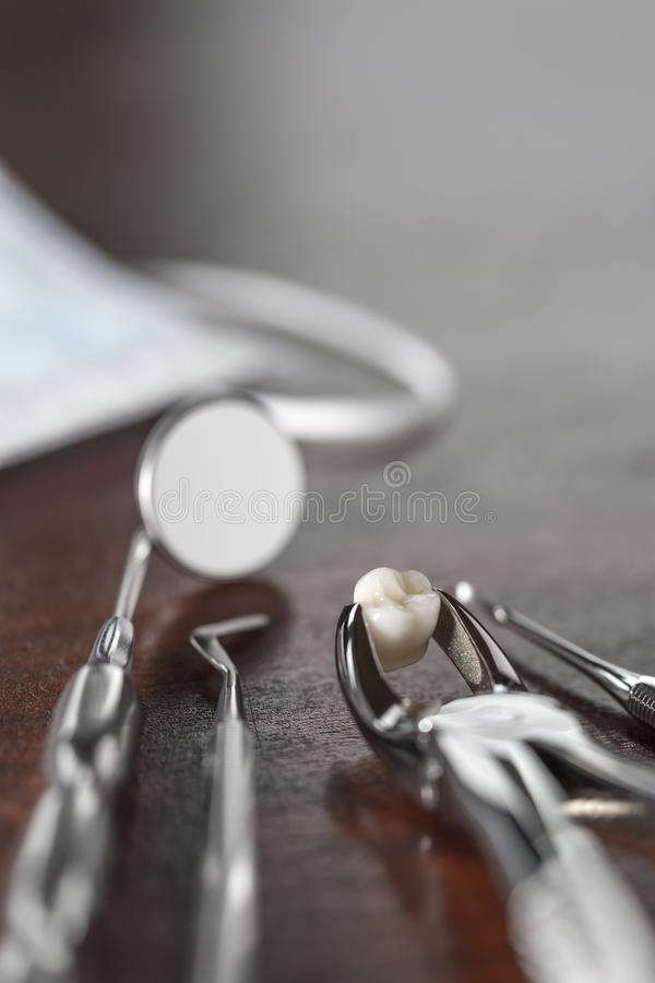 Έννοια εξαγωγής δοντιών στοκ φωτογραφία με δικαίωμα ελεύθερης χρήσης