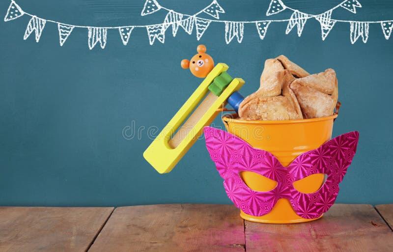 Έννοια εορτασμού Purim (εβραϊκές διακοπές καρναβαλιού) Εκλεκτική εστίαση στοκ εικόνα με δικαίωμα ελεύθερης χρήσης