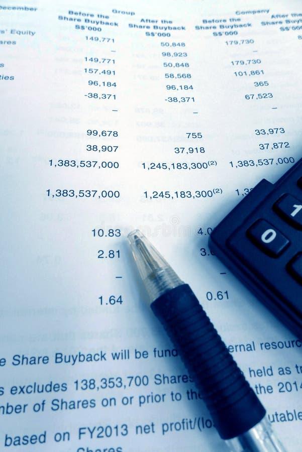 Έννοια επένδυσης, ετήσια έκθεση κατόχων μεριδίου στοκ εικόνες με δικαίωμα ελεύθερης χρήσης