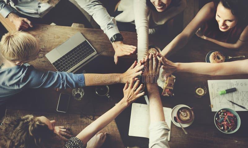 Έννοια επιτυχίας κόμματος εορτασμού επιχειρησιακής ομάδας στοκ εικόνα
